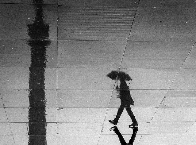 Downside Up - Minimalism in Street Photography