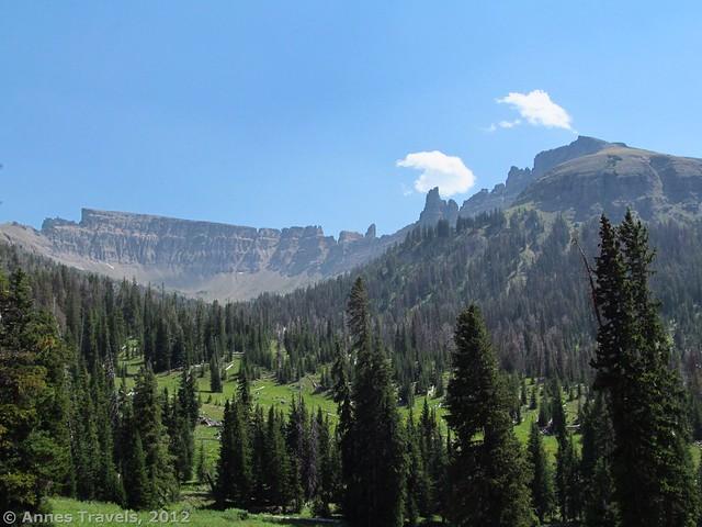 Cliffs along the Bonneville Pass Trail
