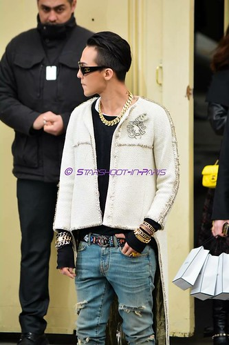 G-Dragon - Chanel Fashion Show - 27jan2015 - StarshootinP - 10