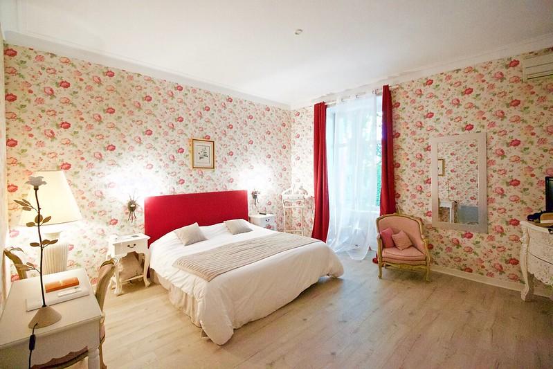 Manoir Roseraie bedroom