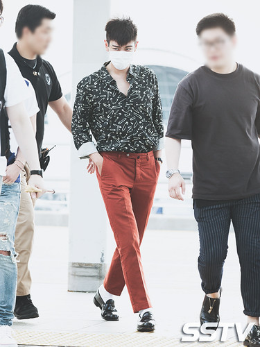 BIGBANG Incheon Airport to Shanghai Press 2015-06-19 011