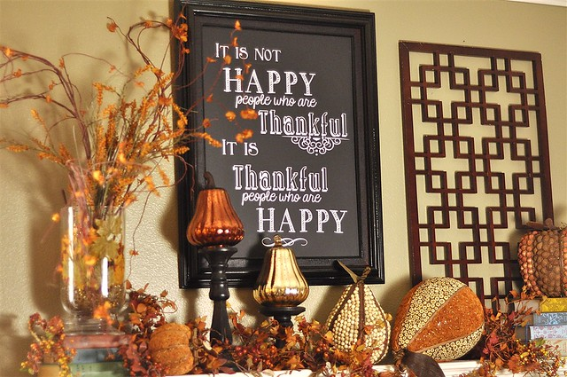 Thanksgiving decor giveaways and a little housekeeping Happy thanksgiving decorations