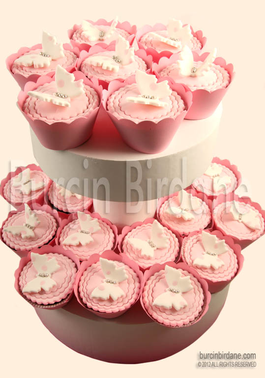 Kelebekli Cupcake