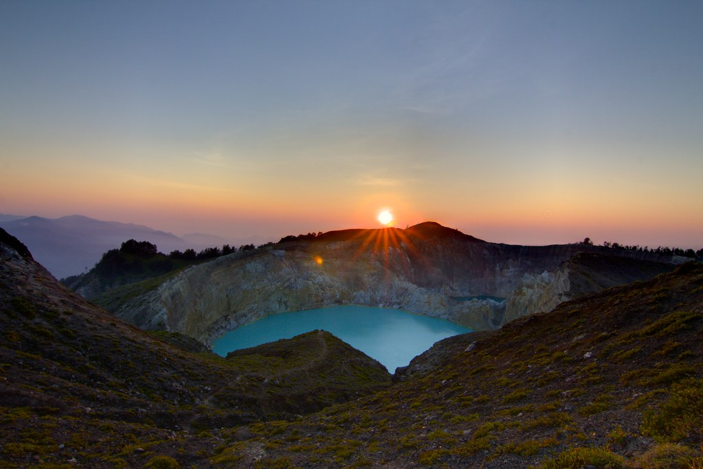 Kelimutu Sunrise