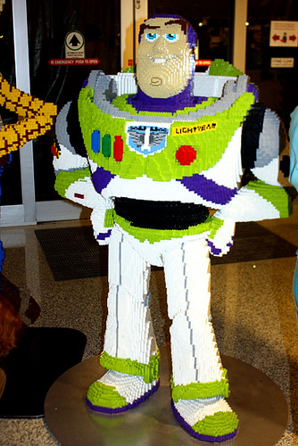 DisneyDowntown_Lego_Bzz