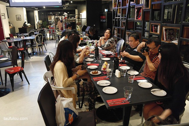 Renoma Cafe (32)