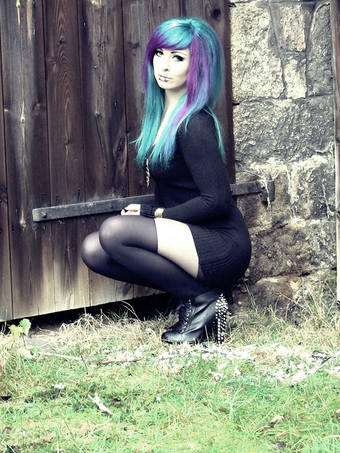 Bibi Barbaric emo scene alternative style girl blue green turquoise pink purple hair