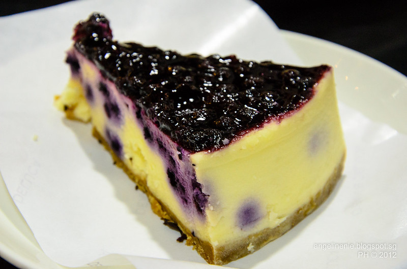 Blueberry Cheesecake @ Dean and Deluca Singapore