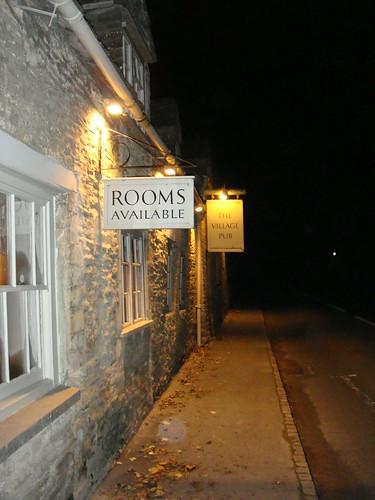 Cartel anunciando habitaciones disponibles