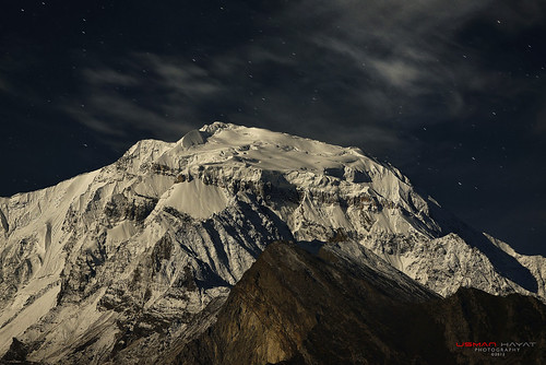 moon mountain snow night start photography nikon long exposure peak nikkor rakaposhi 70200 hayat diran d800 usman uhayat