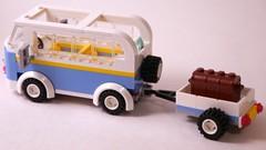 Friends #3185: Summer Riding Camp (Van, Side/Rear)