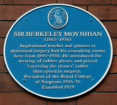 Photo of Berkeley Moynihan blue plaque