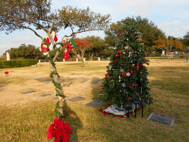DETAILS To Get Information about Solar Christmas Tree For Cemetery