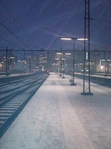 snow @ amsterdam central station