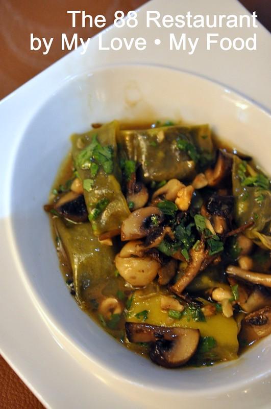 2012_09_28 88 Restaurant 060a