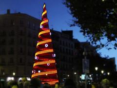 Ponga un árbol de Navidad en Madrid ...........con su propia marca!!!