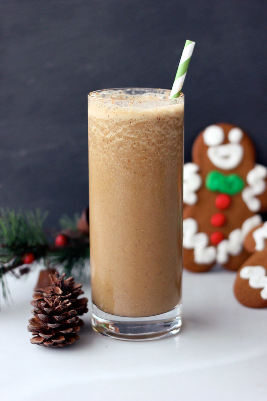 Gingerbread Smoothie (Gluten-free + Vegan)