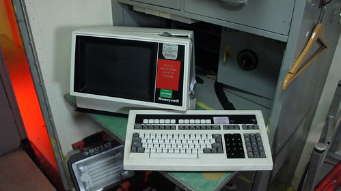 USS Wisconsin (BB-64) Honeywell DPS-7000 Dummy Terminal
