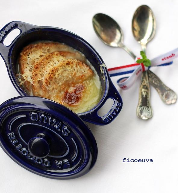 soup a l'oignon gratinè
