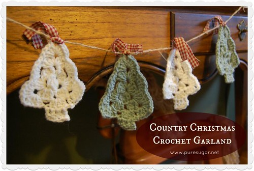 Country Christmas Crochet Garland