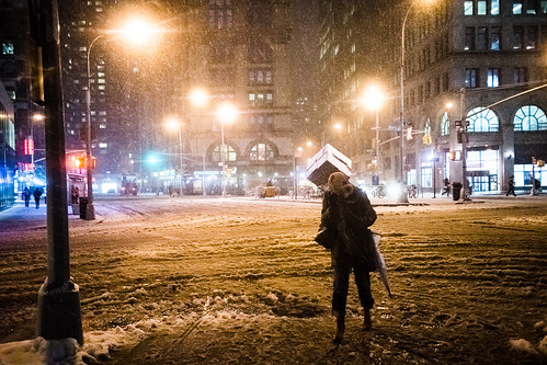 Nor'easter hits Manhattan with snow