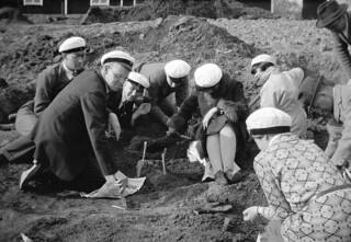 Archaeologists at a find in Tuna, Uppland, Sweden