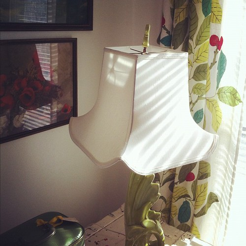 guest bedroom corner - I love a funky lamp