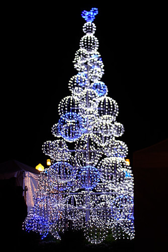 DisneyDowntown_Lighted-Tree