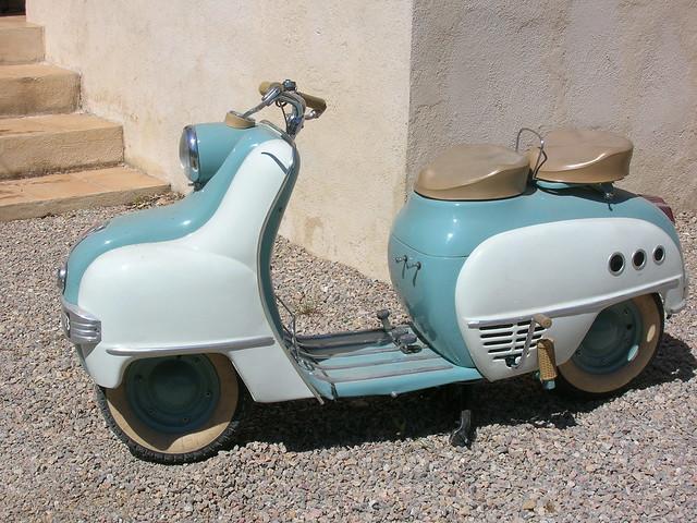 Scooter Magnat Debon 8193309124_e19d0d79a8_z