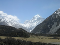 Mt. Cook (Aoraki) in the the distance