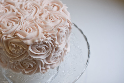 Pink rose buttercream cake