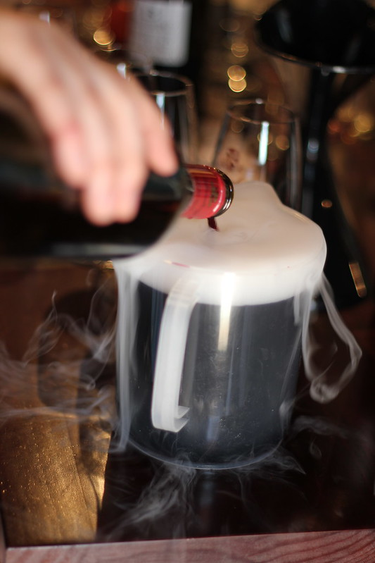 Wine blending with dry ice