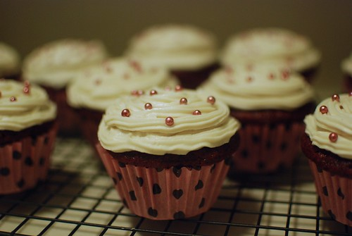 vegan red velvet cupcakes with cream cheese frosting