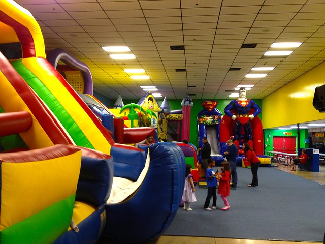 Inflatable Wonderland In Rolling Oaks Mall San Antonio
