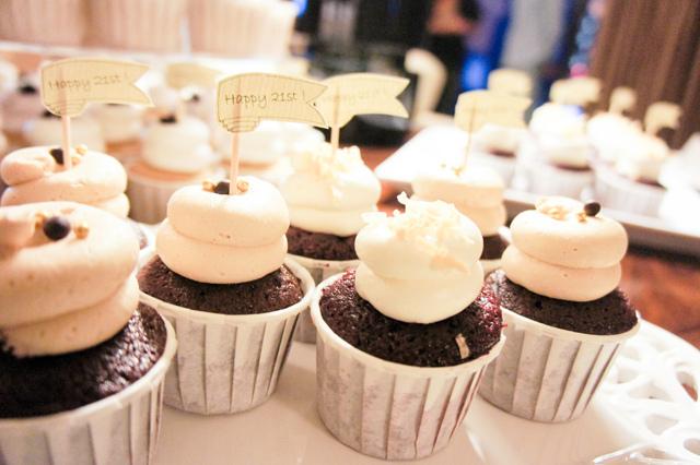 pretty birthday cupcakes