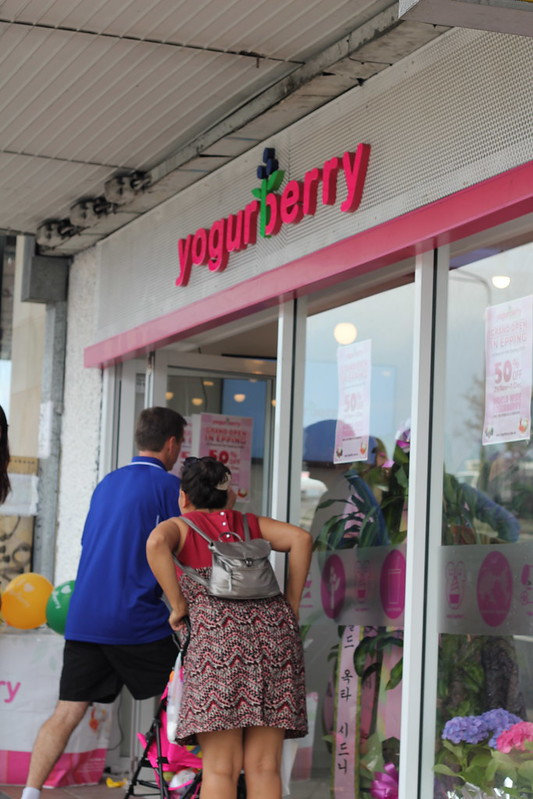 Yogurberry Epping entrance