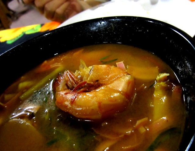 Tom yam prawns with rice