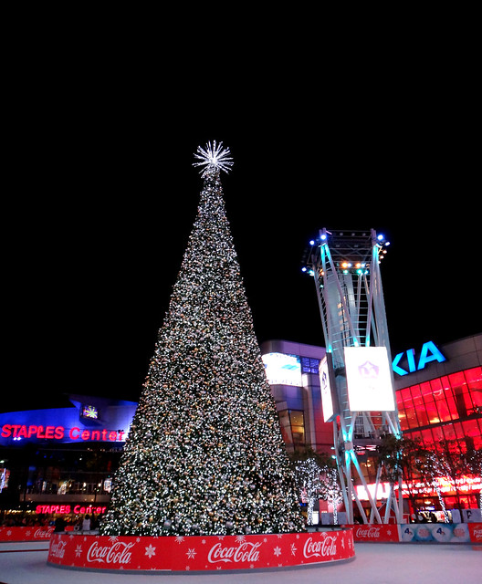 Christmas Tree and Ice Skating Rink at Nokia Live and Staples Center