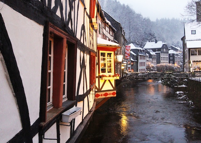 Monschau half timbered houses winter2