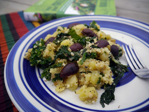 2012-12-06 - WAG Garlicky Potatoes & Greens - 0002