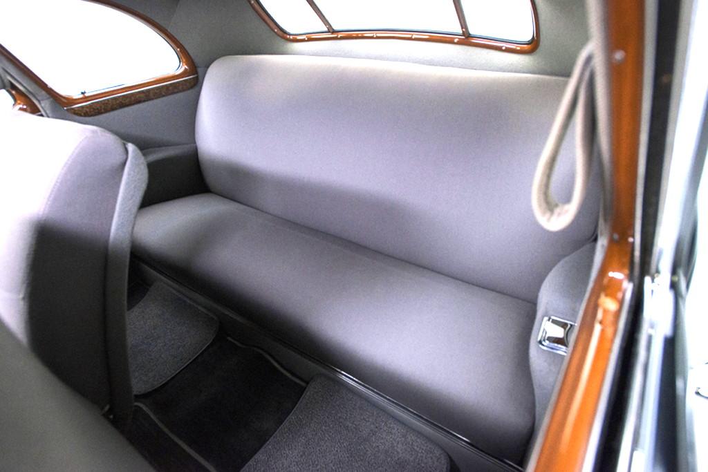 41030_K Cadillac Series 62 346CI Monobloc V8 3SPD Sedanette_Black