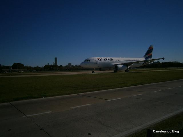 """Airbus 320 """"LV-BSJ"""" de LATAM Argentina"""