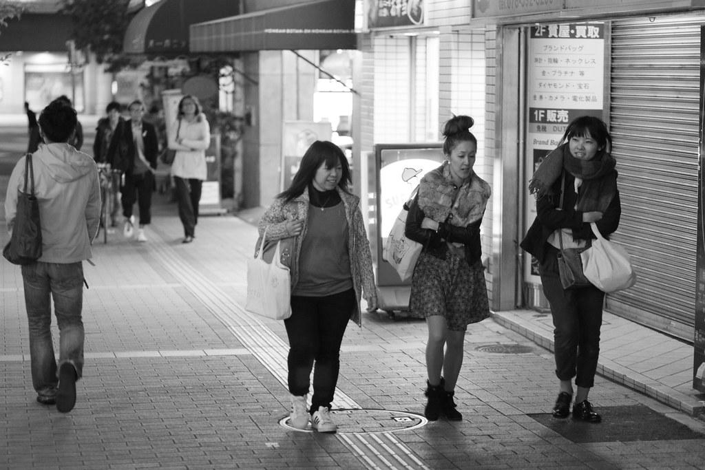 Kitanagasadori 1 Chome, Kobe-shi, Chuo-ku, Hyogo Prefecture, Japan, 0.013 sec (1/80), f/2.0, 85 mm, EF85mm f/1.8 USM