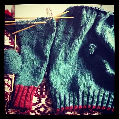 #elizabethzimmermann #beiroa #knitting #malha #tricot