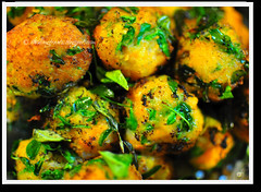 Carrot and fenugreek fritters