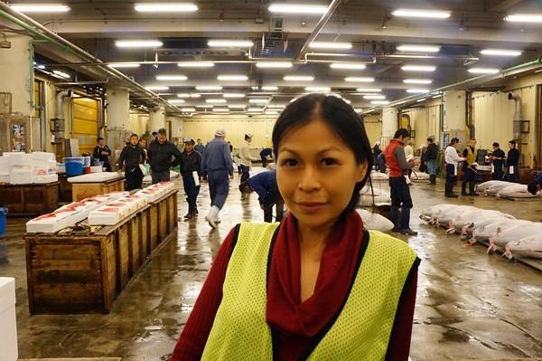 rebecca saw blog - tsukiji market-001