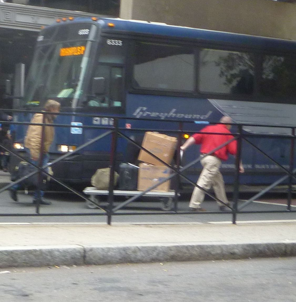 How to use a Greyhound coupon Greyhound offers bus fares that are economical, plus they offer many different types of discounts. One of the best ways a person can save money is by buying their tickets at least two weeks in advance.