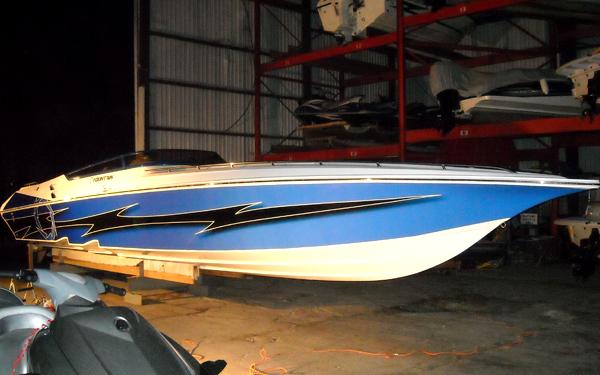 Vinyl boat wrap - Orlando, Florida
