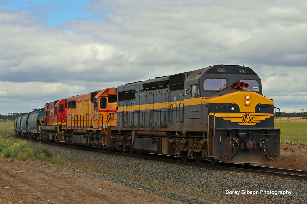 C501, L277 & 1872 departing Berrybank by Corey Gibson