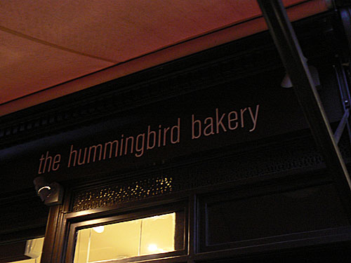 hummingbird bakery outside.jpg
